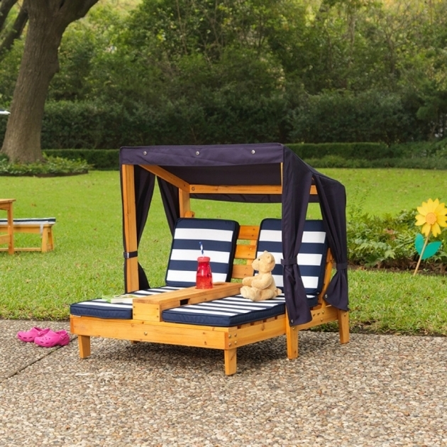 kidkraft-double-chaise-lounge-with-cup-holders-honey-and-navy-pictures-69.jpg