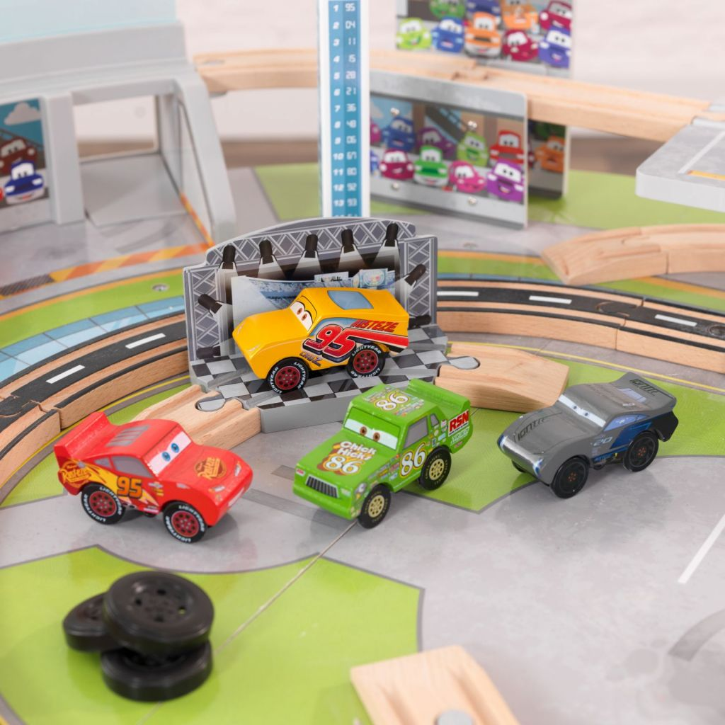 Disney_cars_toys3.jpg
