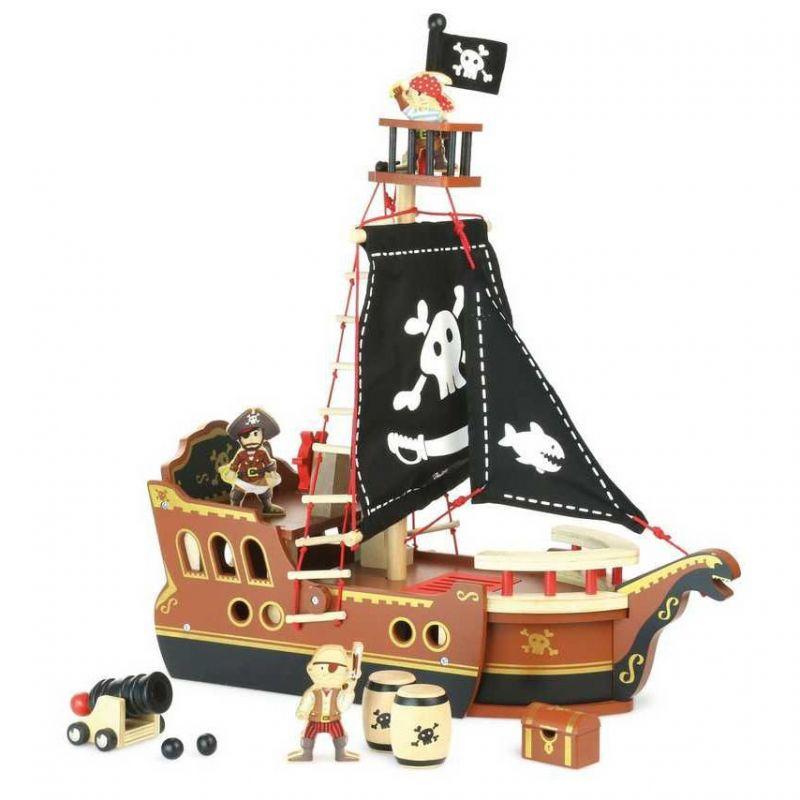 Dřevěná pirátská loď