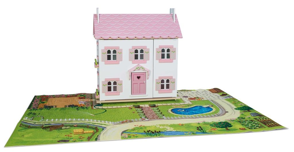 H104-Sophies-House-on-Playmat.jpg