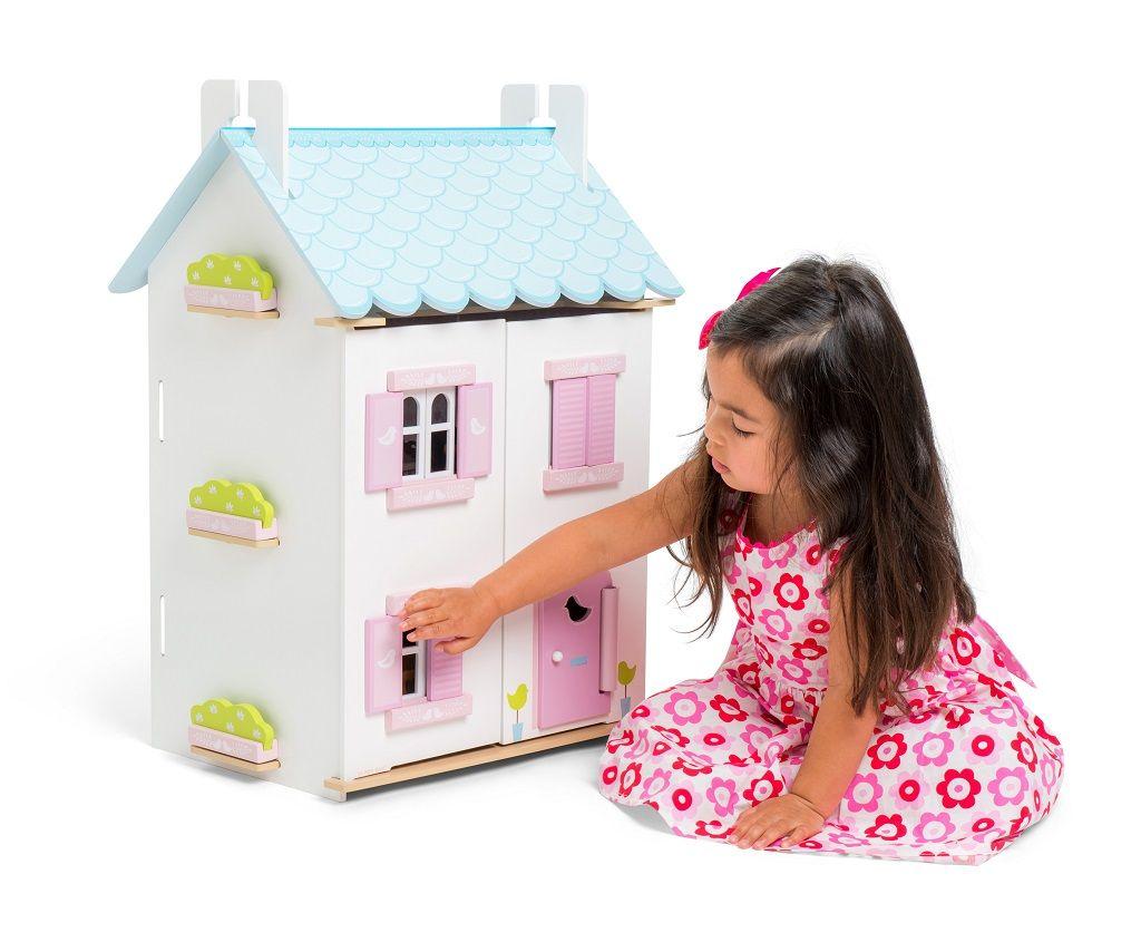 H138-Blue-Bird-Cottage-Lifestyle-Girl.jpg