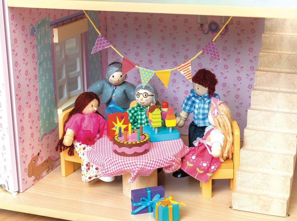 ME081-Party-Time-Dolls-House-Accessory-Pack-1.jpg