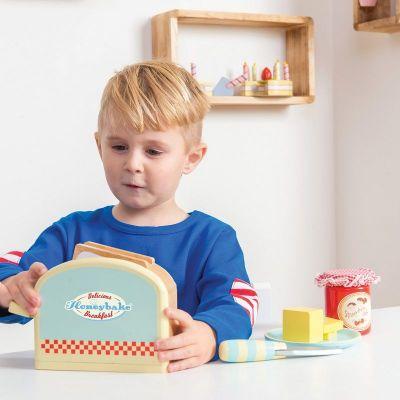 TV287-Toaster-Set-Boy-Lifestyle