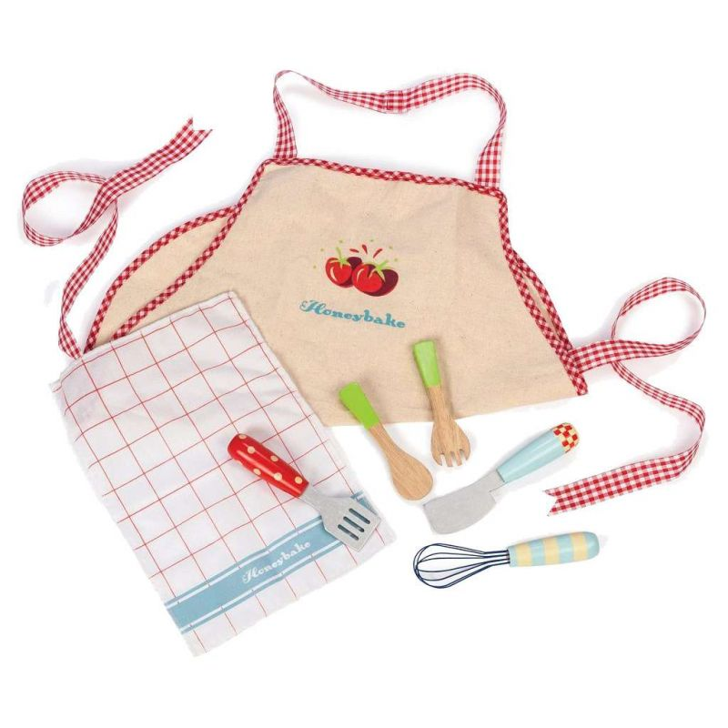 TV302-Apron-&-Utensils (1)