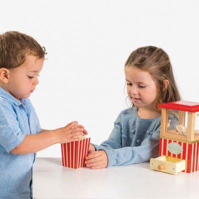 TV318-Popcorn-Machine-Lifestyle-(1)