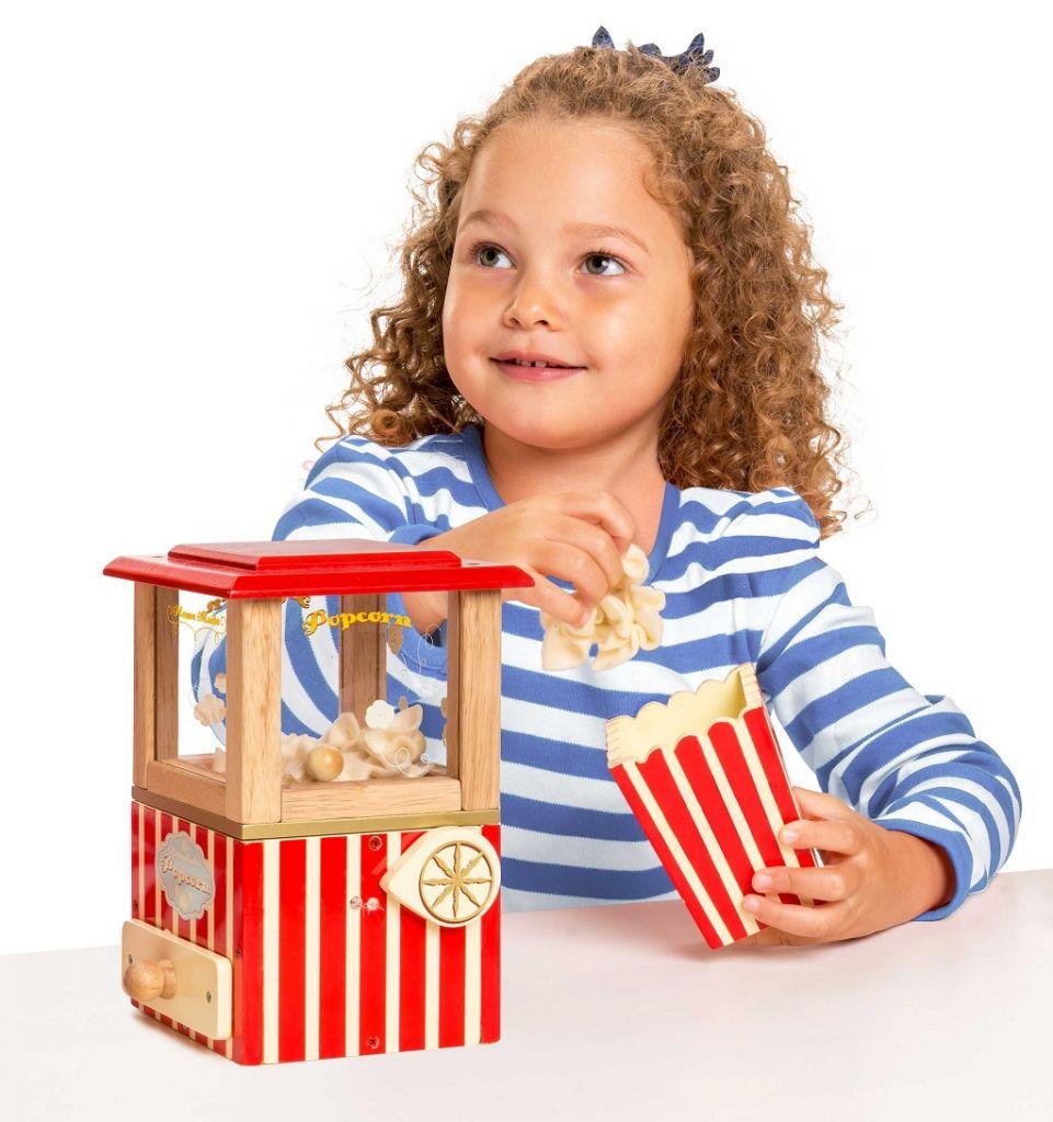 TV318-Popcorn-Machine-Lifestyle-2.jpg