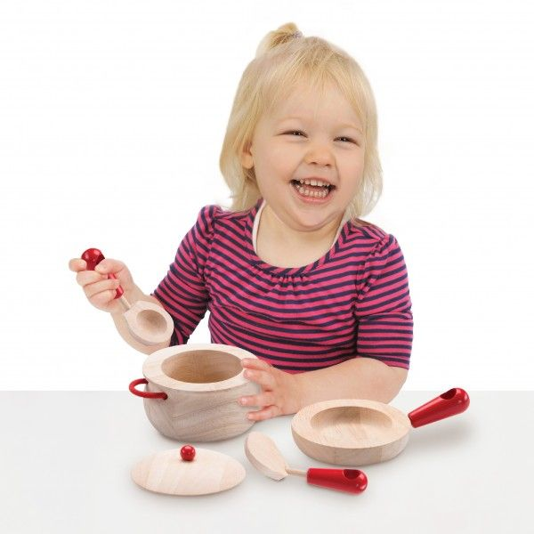 WW-4516-01_Cooking-Set_Role-Play-_36-month_3-years-old_wooden-toys_gift-toy_educational-toy_quality_kid-toy_made-in-Thailand_Wonderworld-toy_eco-friendly_rubberwood-600x600.jpg