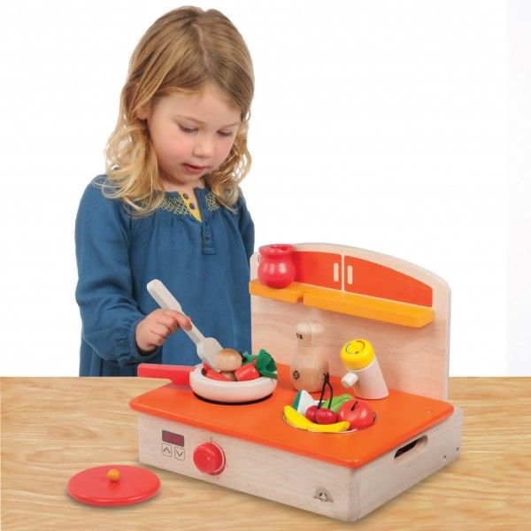 WW-4557-01_-My-Portable-Cooker_Role-Play_36-month_3-years-old_wooden-toys_gift-toy_educational-toy_quality_kid-toy_made-in-Thailand_Wonderworld-toy_eco-friendly_rubberwood-600x600.jpg
