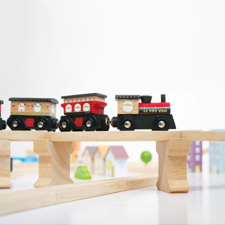 le-toy-van-royal-express-wooden-train-set-331587.jpg